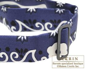 ... Hermes Noeud Papillon Fleurs et papillons de tissu Marine Noir Blanc  Silk aac8abc6975