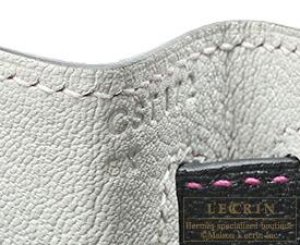 エルメス ケリー28/外縫い ブラック/パールグレー シェブルミゾル ゴールド金具