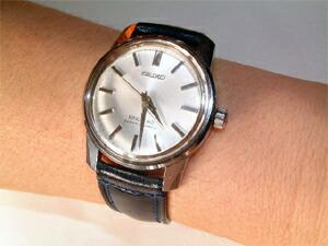時計ベルトをモレラートのドナテロに交換した44キングセイコー