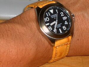 時計ベルトをモレラートのBOTEROに交換したシチズン プロマスター・ランド