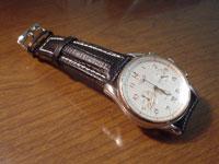 時計ベルトをモレラートのティポブライトリングクオイオに交換したロンジンアヴィゲーションクロノグラフ