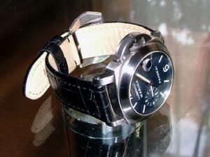 時計ベルトをモレラートのボテロに交換したOFFICINE PANERAI LUMINOR MARINA