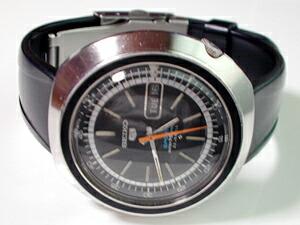 時計ベルトをモレラートのテベレに交換したSEIKO5 SPORTS 6430