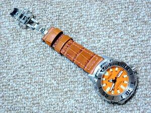 時計ベルトバックルをモレラートのDEPLOJANTE/2に交換したSEIKOオレンジモンスター