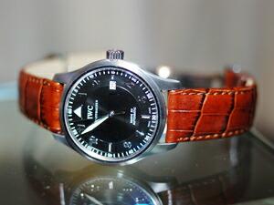 時計ベルトをモレラートのルイジアナに交換したIWCスピットファイアマーク15