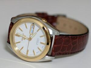 時計ベルトをモレラートのリバプールに交換したセイコーファイブ