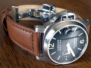 時計ベルトをモレラートのボテロに交換したパネライマリーナ