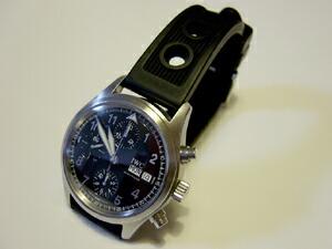 時計ベルトをモレラートのカルドナッツォに交換したIWC スピットファイア クロノ
