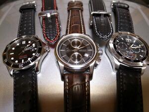 時計ベルトをモレラートのラグビーに交換したタグホイヤーアクアレーサークロノグラフ