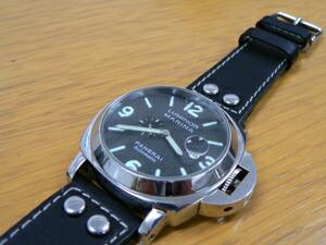 時計ベルトをモレラートのアンコラに交換したオフィチーネパネライ ルミノールマリーナ