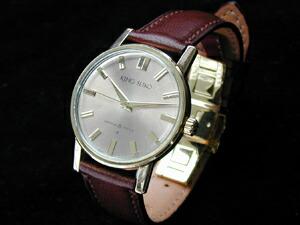 時計ベルトをモレラートのリーガブエに交換したキングセイコー
