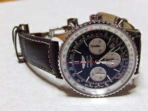 時計ベルトをモレラートのグットゥーゾに交換したブライトリング ナビタイマー01リミテッド