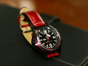 時計ベルトをモレラートのグットゥゾに交換したハミルトン カーキー