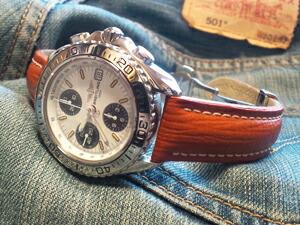 時計ベルトをモレラートのティポブライトリングクオイオに交換したブライトリング クロノシャーク