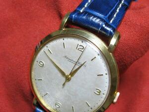時計ベルトをモレラートのプラスに交換した1940年代アンティークIWC 18K Cal.89、手巻き