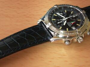 時計ベルトをモレラートのリバプールに交換したブライトリング クロノマット