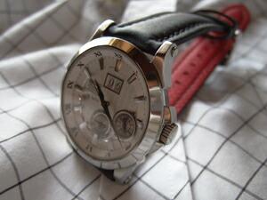 時計ベルトをモレラートのフィットネスに交換したSEIKO Premier SNP001P1