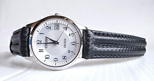 時計ベルトをモレラートのSPEEDに交換したシチズン エコドライブ電波時計 EXCEED EAG74-2943E