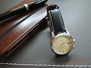 時計ベルトをモレラートのルソーに交換したSEIKOアルピニスト4S15-6000