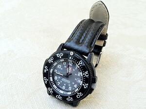 時計ベルトをモレラートのスピードに交換したLuminox3000シリーズ