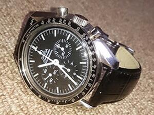 時計ベルトをモレラートのルイジアナに交換したオメガスピードマスタープロフェッショナル