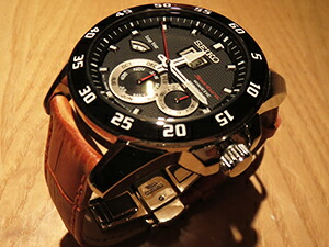 時計ベルトをモレラートのボーレに交換したセイコースポーチュラキネティック