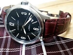 時計ベルトをモレラートのボーレに交換したハミルトン カーキ アビエイション