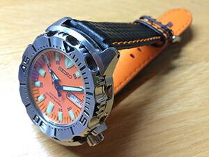時計ベルトをモレラートのバイキングに交換したセイコーオレンジモンスターダイバー