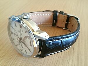 時計ベルトをモレラートのプラスに交換したOrient star