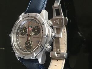 時計ベルトをモレラートのレガッタに交換したタグホイヤー2000シリーズ・クロノグラフ