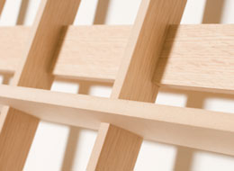 XYZ軸それぞれの部材が嵌合(かんごう)により組合わさっている様子