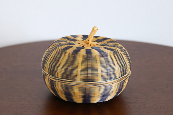 タイ雑貨、竹のバスケット