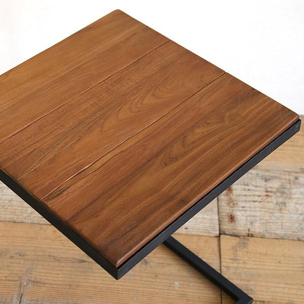 アクセント、古材とアイアンのサイドテーブル