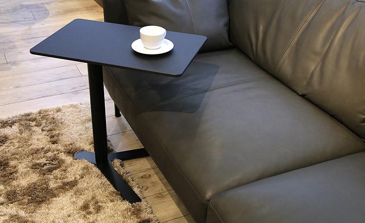 指紋が付かない昇降式サイドテーブル ブラック(黒)