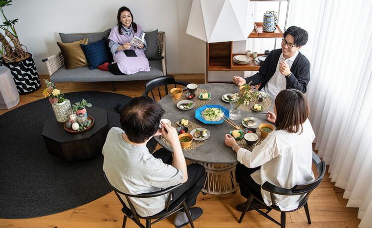 Tamburo(タンブーロ) ダイニングテーブル 使用イメージ