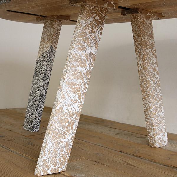 アートなダイニングテーブル