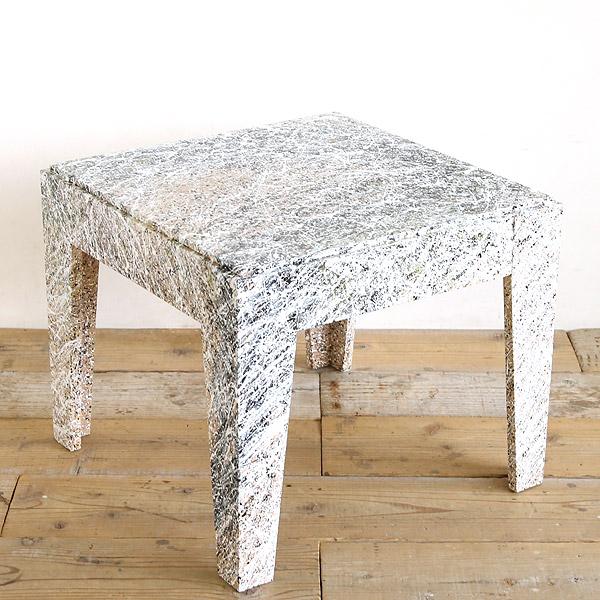 アートなサイドテーブル
