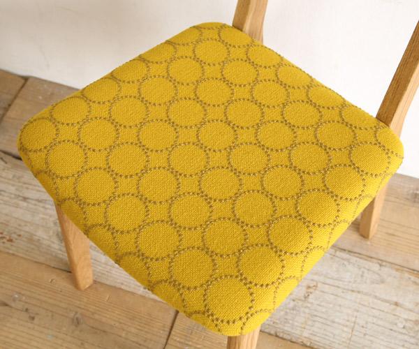 シキファニチアの椅子にお好きな生地が張れます