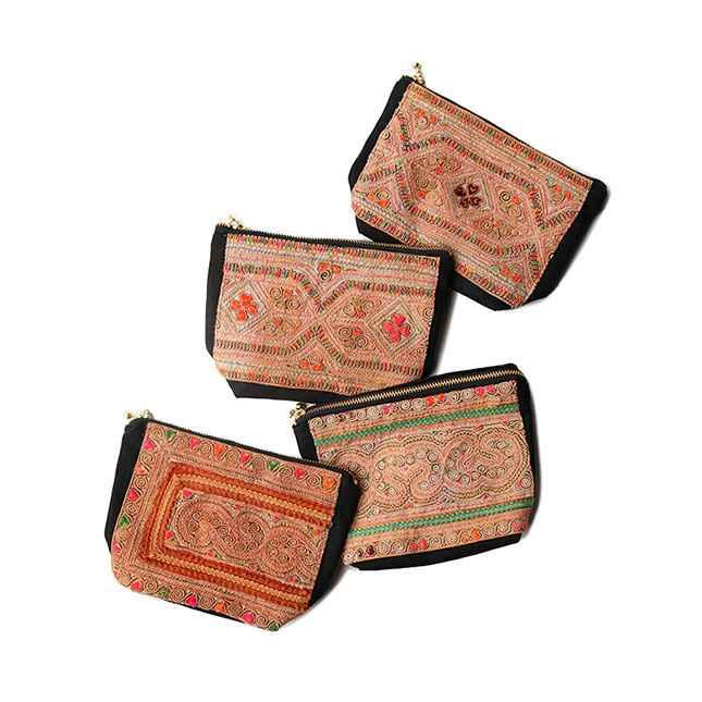 モン族の伝統刺繍ファブリックのポーチ