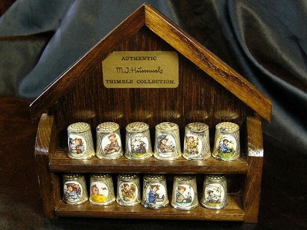 Humme thimble collection