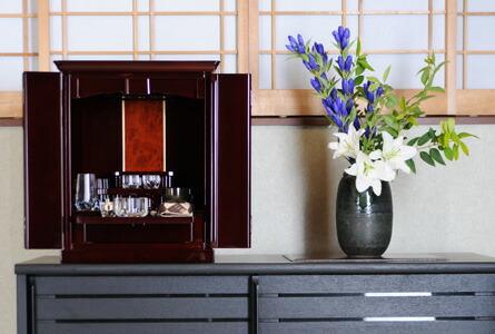 モダンミニ仏壇 ロゼットワイン 16号 設置例