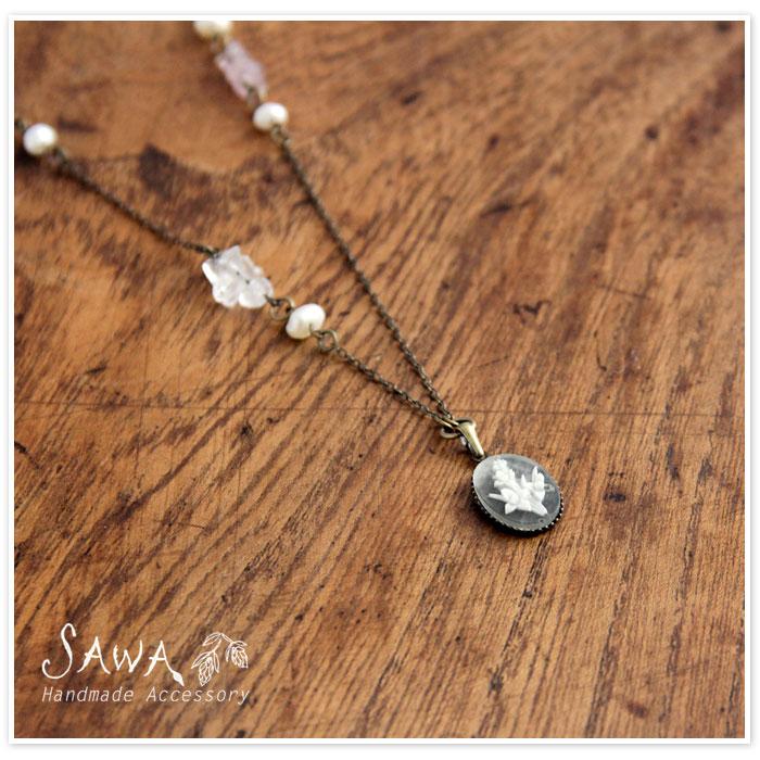 【SAWA サワ】スイセン柄カメオのネックレス