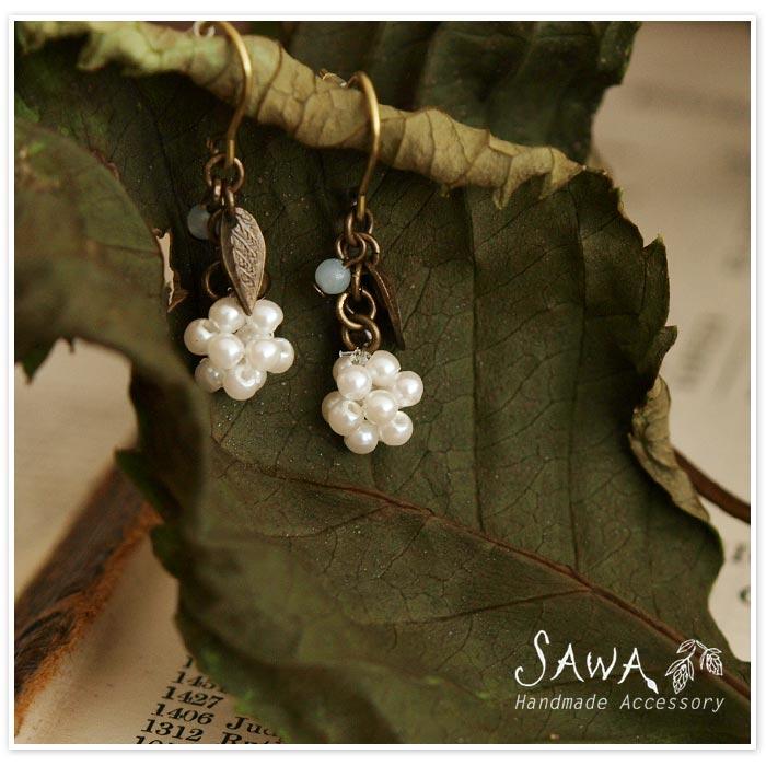 【SAWA サワ】天然石 × 葉モチーフ ピアス
