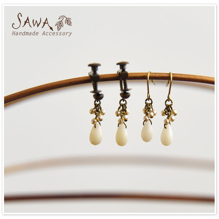 【SAWA サワ】白サンゴ ピアス / イヤリング