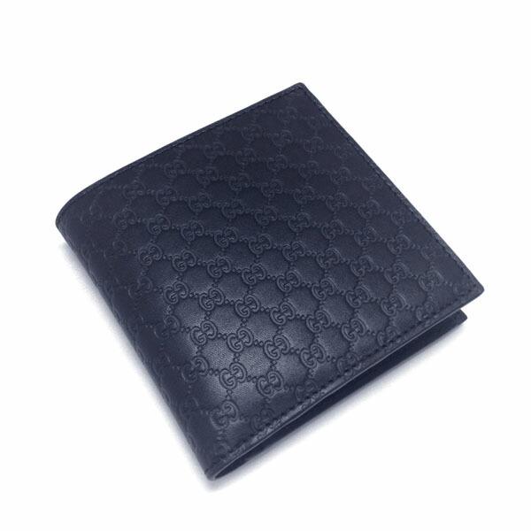 31ec255d9ba1 GUCCIからグッチシマのメンズ 二つ折り財布の入荷です。 GG柄が描かれた上質なレザーを使用した 大人なデザインになっており、年齢問わず末長くお使い頂けます。