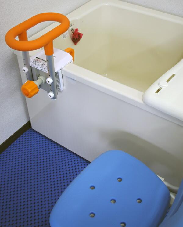 スーパーバイオマットを敷き詰めた浴室