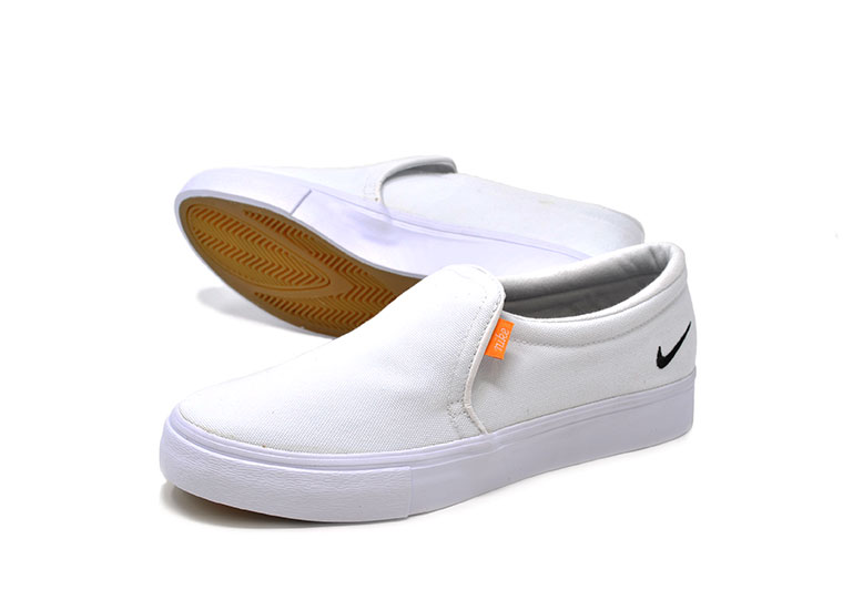 b132ad07f5 White BQ9138 100 COURT ROYALE which there is no NIKE Nike slip-ons Lady's  sneakers low-frequency cut canvas white coat royal AC SLIP women slip-on ...