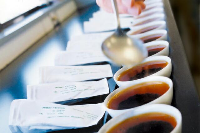 世界中から日本人に合ったお茶を買い付け