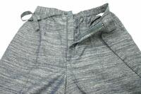 紳士久留米織作務衣(綿100%紬節織り作務衣)ウエスト部分はボタンとファスナーで全開放しますのでとても便利です。