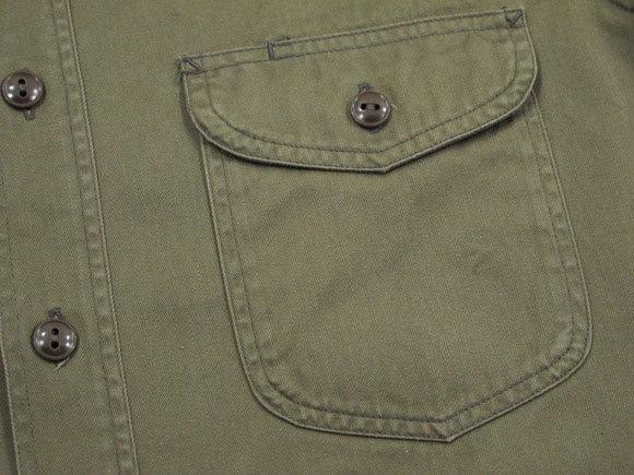 光沢のある上質なコットンヘリンボーン素材を使った★バズリクソンズの長袖ワークシャツ。BUZZ RICKSON'S,バズリクソンズ,HERRINGBONE WORK SHIRT,長袖ヘリンボーン ワークシャツ,コットンヘリンボーンシャツ,OLIVE(オリーブ),BR26081